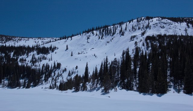 Spring snow conditions above Lost Lake