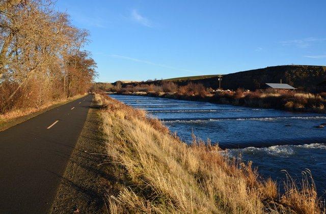 Path along Mill Creek