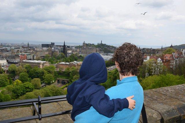 Calvin and Kiesa look out from Edinburgh Castle