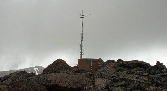 Radio equipment on the top of Hagues Peak