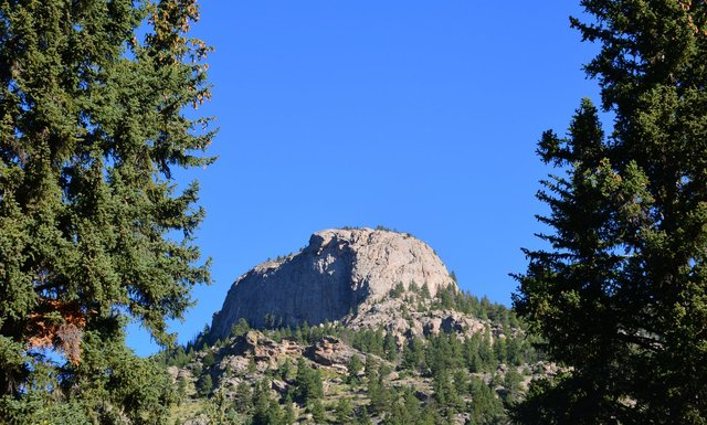 Rock outcropping north of Cow Creek