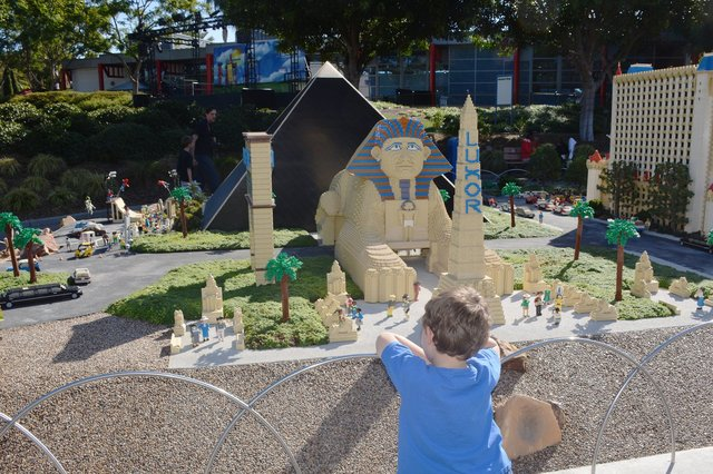 Calvin looks at the front of the Luxor in Legoland's Miniland