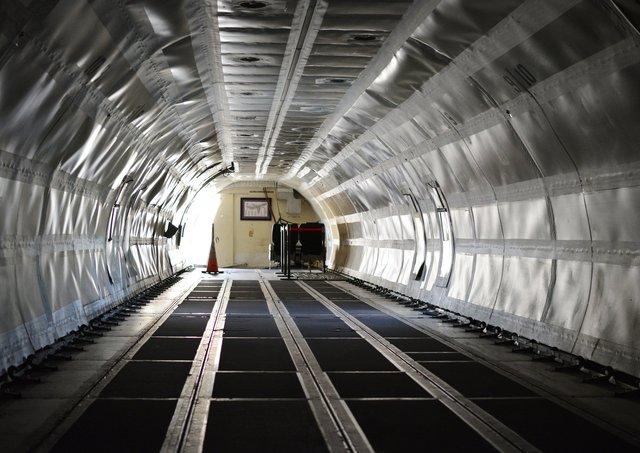 Cargo bay inside N466FE ex-FedEx 727 cargo plane