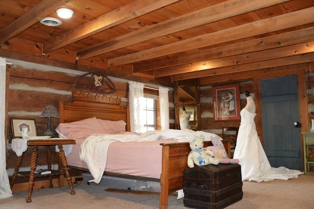 Bedroom in cabin near Rogersville Tennessee