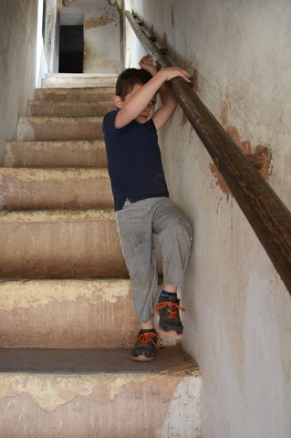 Calvin descends stairs inside Amber Fort