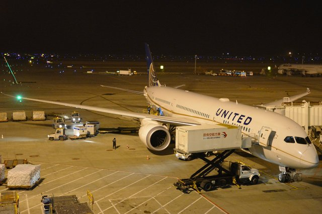 United 787 parked at Shanghai Pudong International Airport