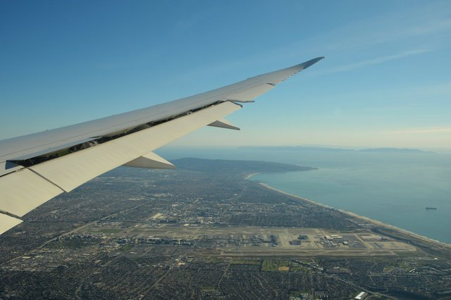 LAX from the air under a 787 wing