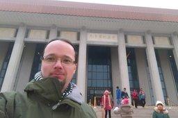 Jaeger with Mao's mausoleum