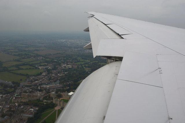 N783UA wing descending over Windsor Castle