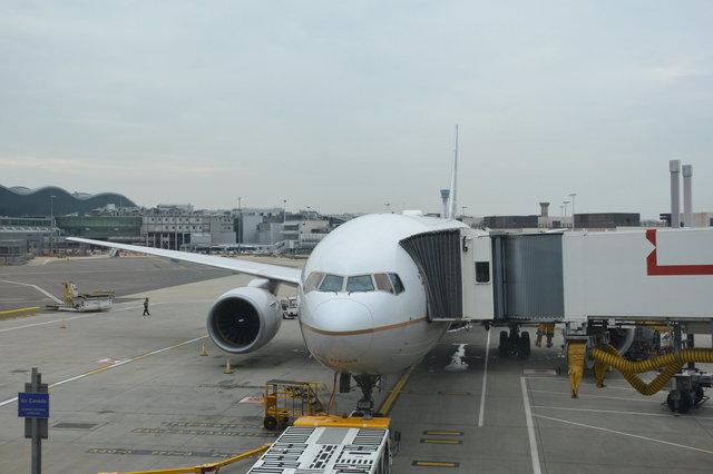 N224UA at Heathrow