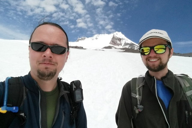 Jaeger and Willy with Mount Hood