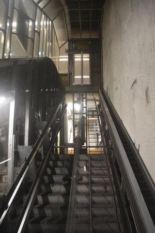 Diagonal elevator at Sörnäinen metro station