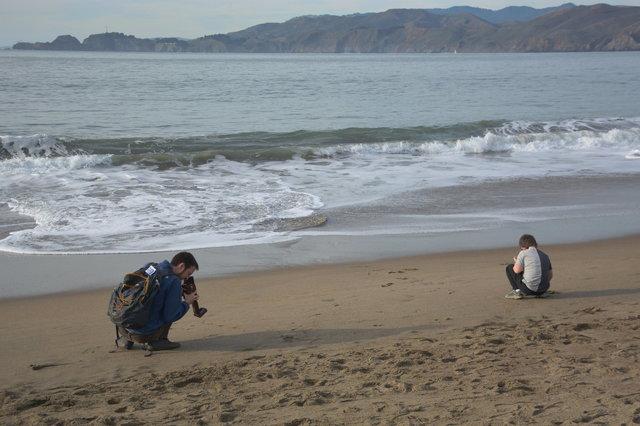 Willy photographs Calvin on Baker Beach