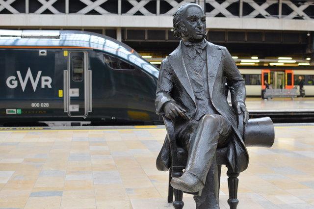 Isambard Kingdom Brunel statue at London Paddington with GWR locomotive