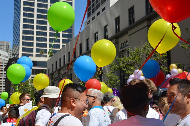Googlers assemble for Pride in front of Spear Tower