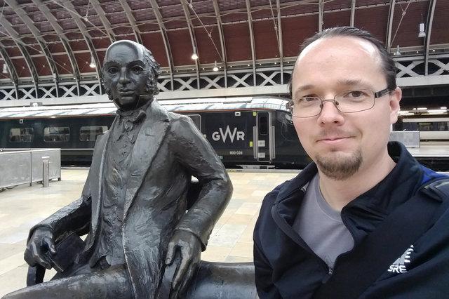 Jaeger with Isambard Kingdom Brunel at Paddington Station