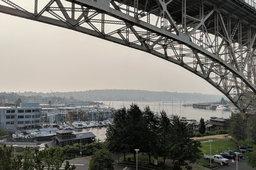 Wildfire haze under the Aurora Bridge