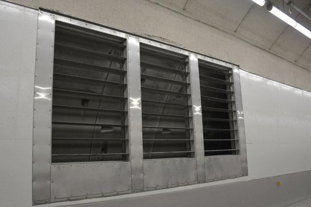Tunnel ventilation vent open