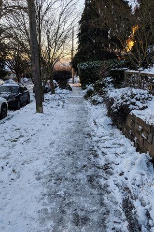 Icy sidewalk in Wallingford