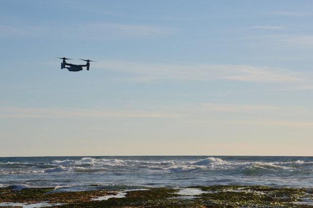 Marine V-22 Osprey flies off the coast of La Jolla