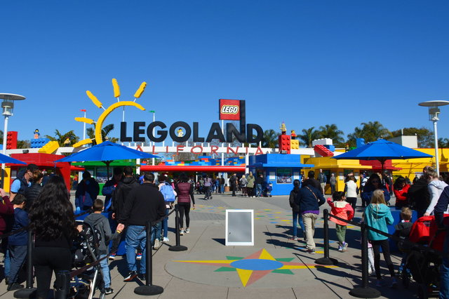 Main gate of Legoland California
