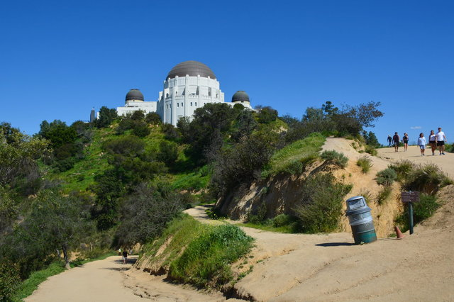 Trail leading to Griffith Observatory