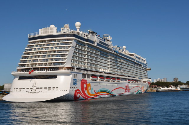 Norwegian Joy docked at Victoria