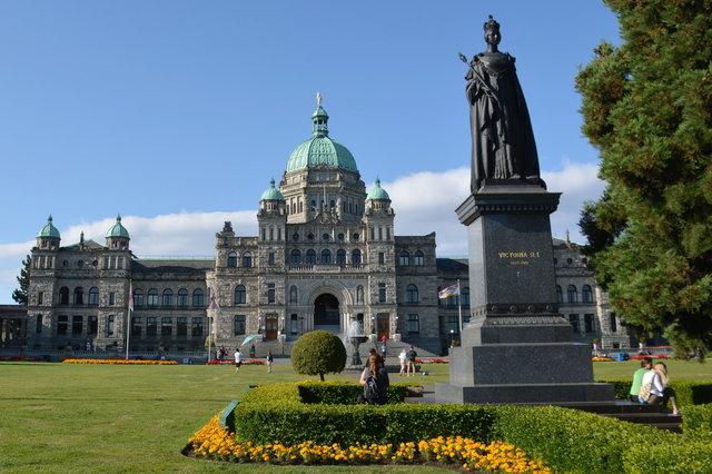 Statue of Queen Victoria and the BC Legislature