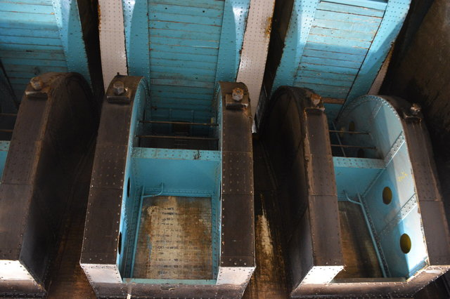 Pivot structure under the Tower Bridge
