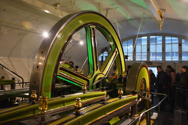 Steam engine at the Tower Bridge