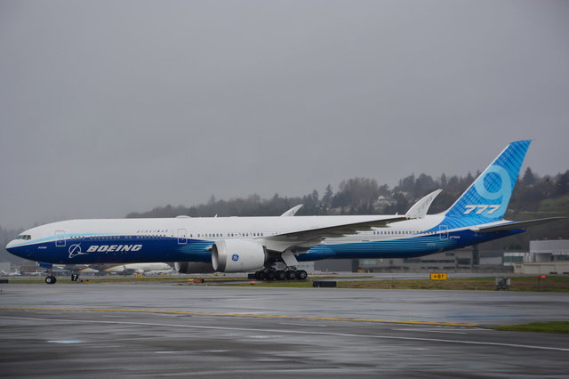 777X first flight N779XW on taxiway B7 at Boeing Field