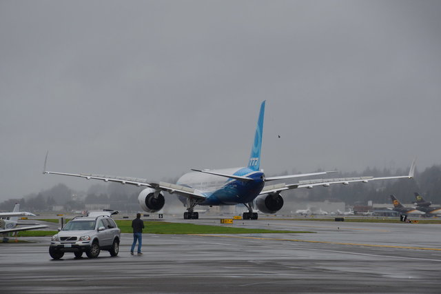777X first flight N779XW on taxiway B at Boeing Field