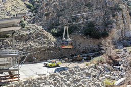 Palm Springs Aerial Tramway car departs the lower station