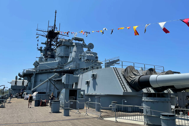 USS Iowa 16-inch gun turret number 3