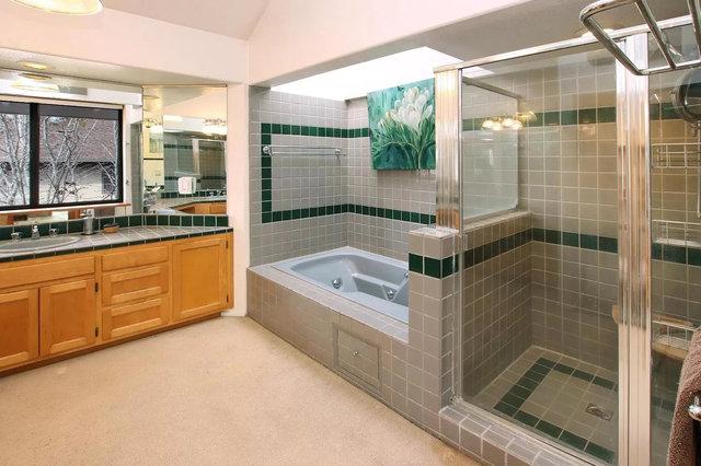 Nanna Court's gleaming chrome cyberpunk 1980s tile bathroom
