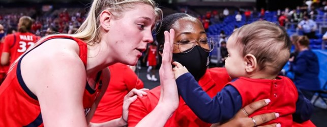 UA defense stifles UConn, women will play for nat'l title