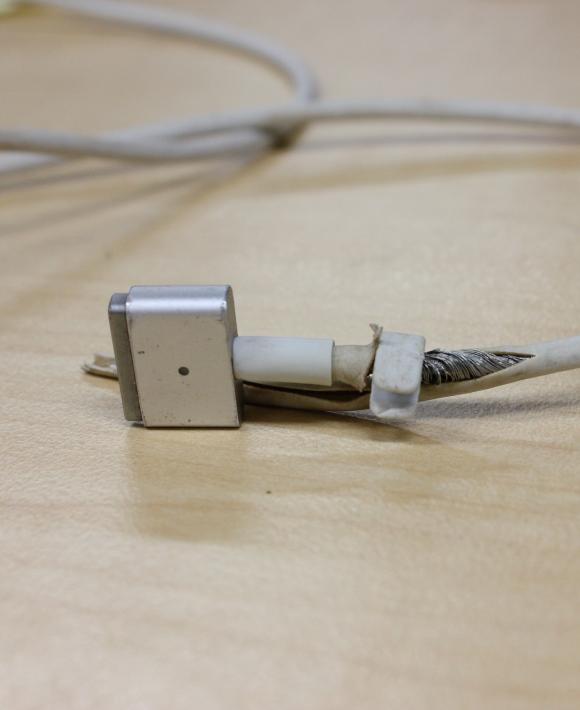 Ремонт зарядного устройства нетбука, замена провода, штекера