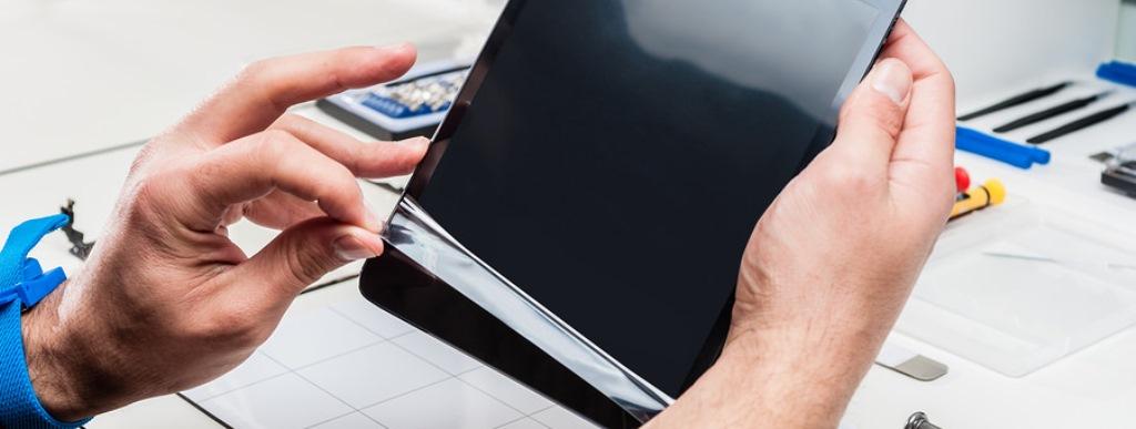 Поклейка защитного стекла, пленки на планшет