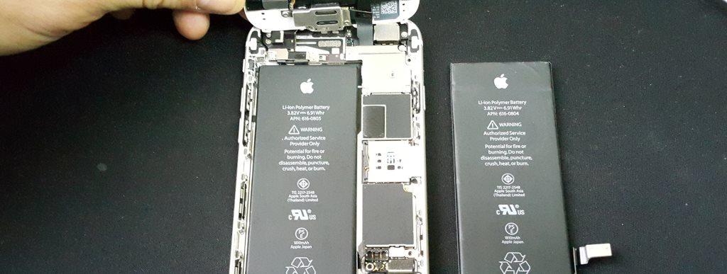 Процесс замены аккумулятора, батареи в телефоне