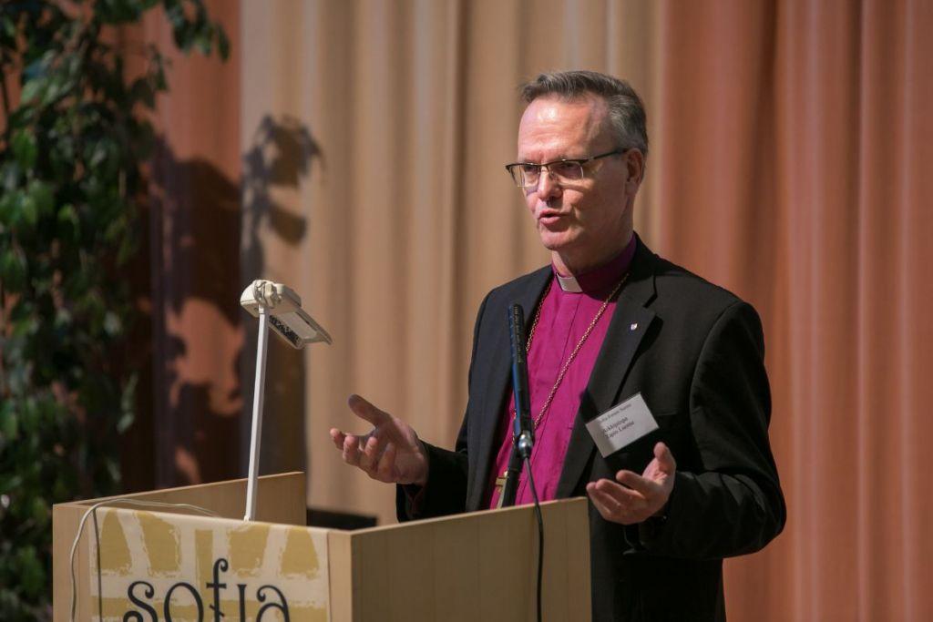 Arkkipiispa Tapio Luoma puhuu.