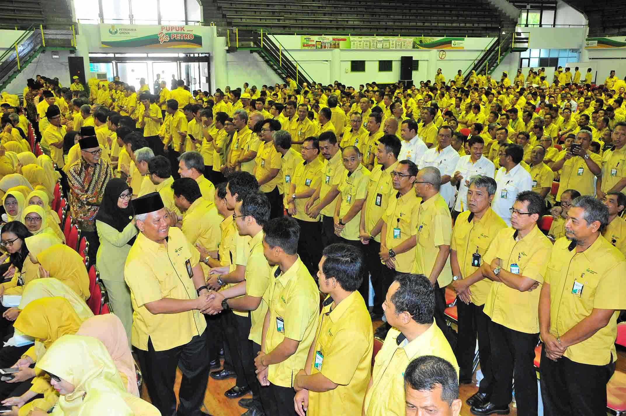 Suasana Halal Bi Halal 1438 H Managemen PG dengan Karyawan di Gedung Serbaguna Tri Dharma PG