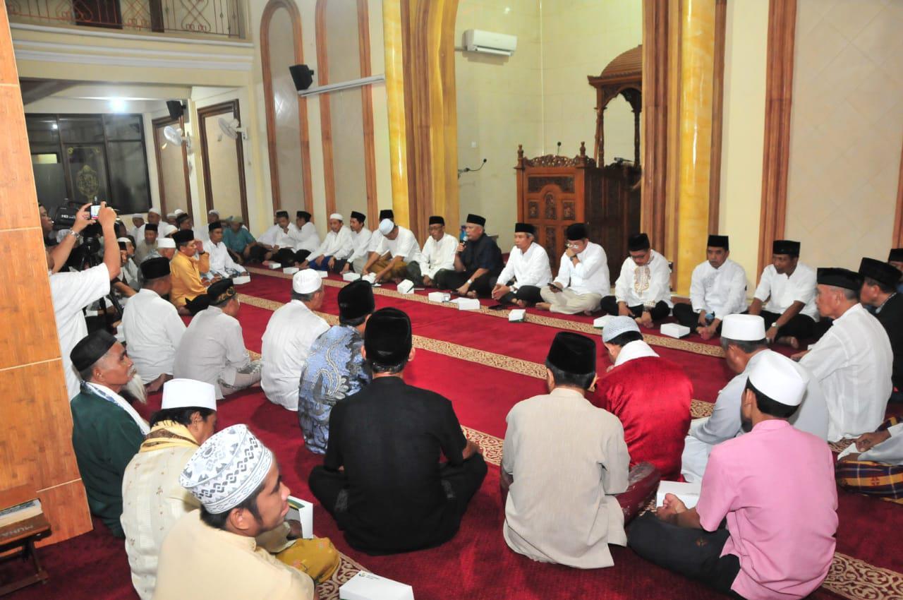 Safari Ramadan Direksi PG di Masjid Al Muhajirin Perum Pongangan Indah. Foto : Humas PG_Murahman