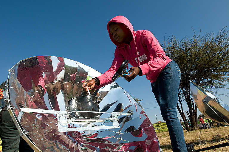 Solar Energy Cooker in South Africa. © Andy Royal