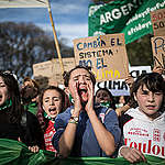 """Greenpeace: """"Nuestro planeta está en llamas y los líderes del mundo no están apagando el fuego"""""""