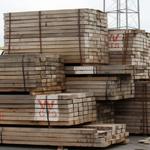 Photo Greenpeace : Le chargement de bois scié gabonais produit par WCTS