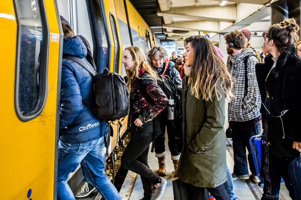 A radical transformation of mobility in Europe: Exploring the decarbonisation of the transport sector by 2040