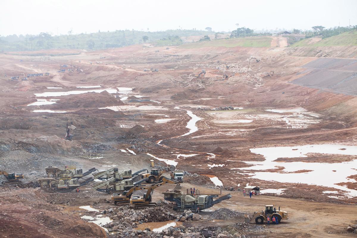 Visão aérea da construção da Usina Hidrelétrica de Belo Monte, no Rio Xingu.