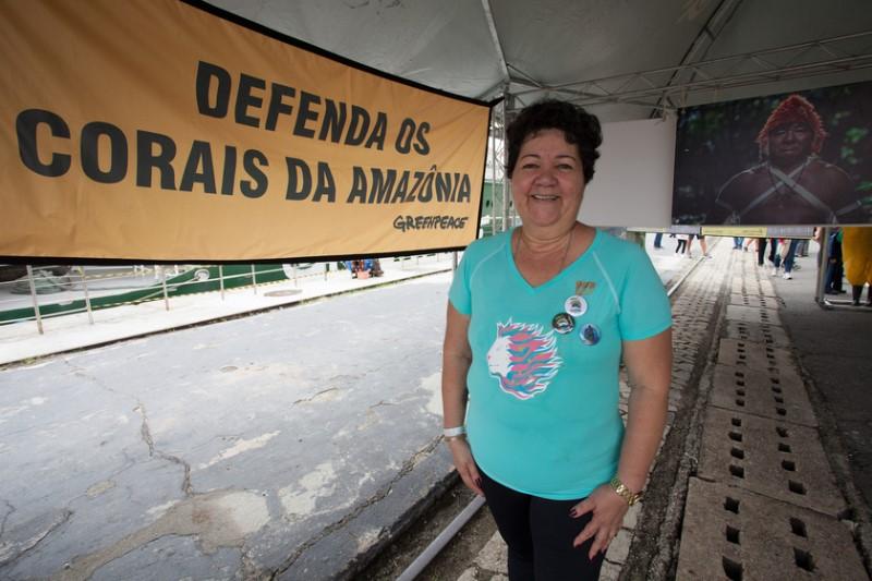 A pensionista Luzia de Sousa Nascimento, 61, também se tornou voluntária do Greenpeace após visitar o Rainbow Warrior.