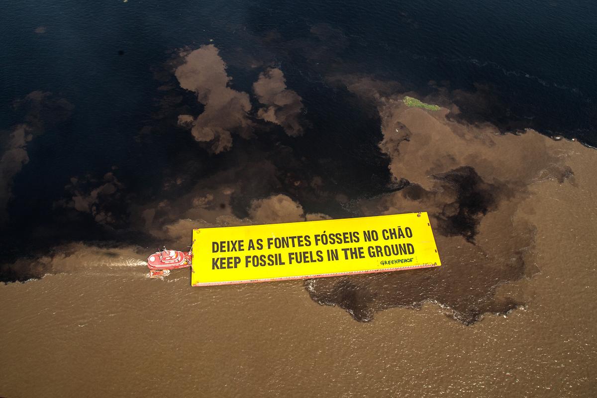 Protesto na Amazônia - Deixe as fontes fósseis no chão. © Rogério Assis