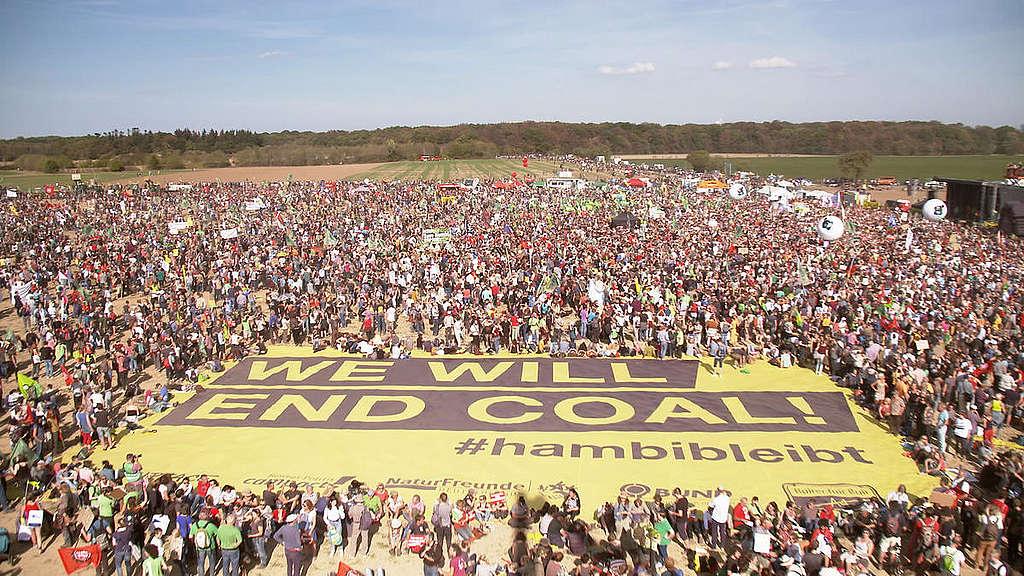 Vista aérea da manifestação contra o carvão na Alemanha